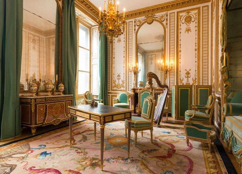 Versailles Interior Nazmiyal